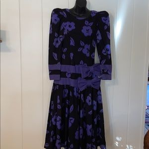 🤩 Vtg 80s Leslie Lucks purple & black dress 👗